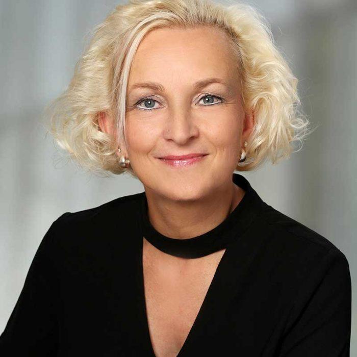 Anja Weiss